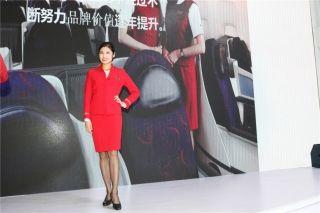深圳航空公司乘务员展示形象 (摄影:白新宇)