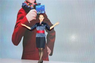 澳门航空公司乘务员展示形象 (摄影:白新宇)