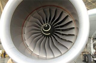 """图:空客A350飞机发动机。民航图库图片,摄影:民航资源网网友""""与飞结缘""""。浏览作者图库原帖《[原创]近看空客A350XWB!》。 (摄影:与飞结缘)"""
