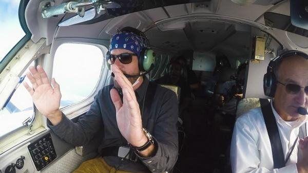 科幻成真:男子成功用意念开飞机
