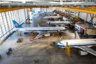 南航沈阳维修基地3号机库可同时对8架飞机进行维修作业 (摄影:陈松)