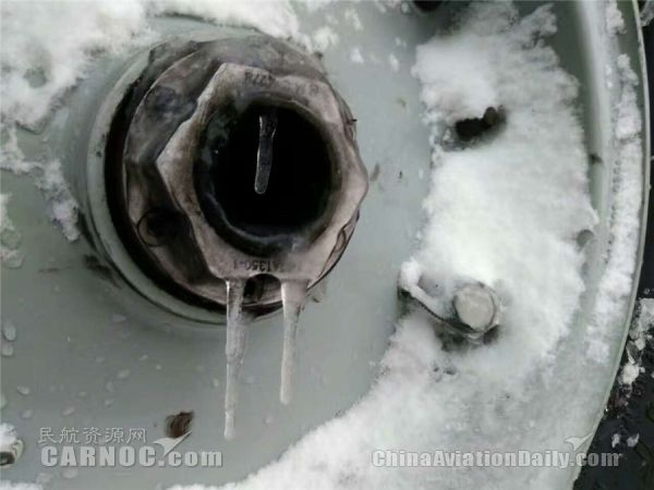 中国联航精心部署 迎战今冬第一场雪