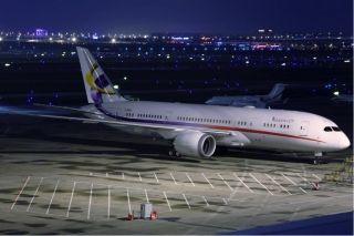 美哭了!揭秘全球首架787梦想商务机