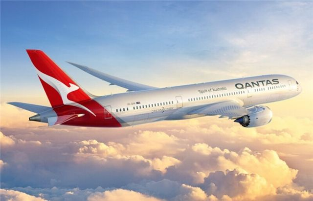 澳航787经济舱座椅:可以边吃饭边玩平板