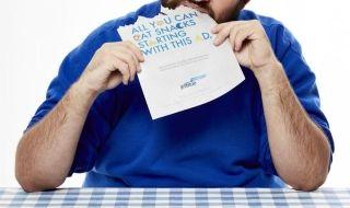 为了宣传零食无限量,这个廉航先请你吃纸