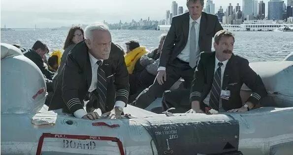 飞行员看 《萨利机长》:能令人动容的就是好电影