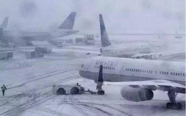 滴水成冰,航班大乱! 全美近1800航班停飞