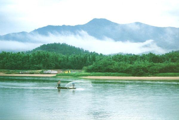 河源水上飞机今日首飞 最高时速可达340公里