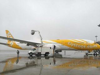 天津出现大雾,机场部分早出港航班受影响 (摄影:王纲)