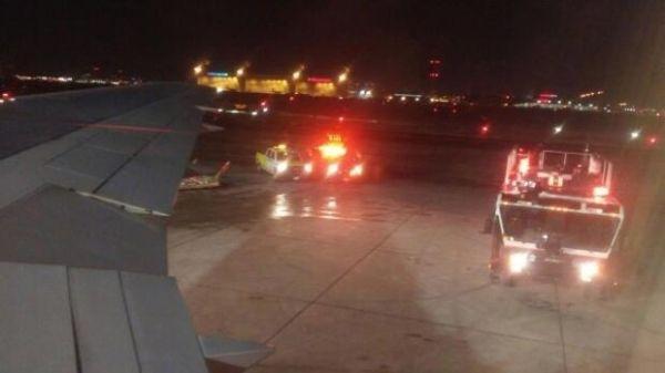 以色列航空飞机引擎故障起火 紧急返航