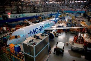 俄罗斯曝光MC-21-300飞机总装线