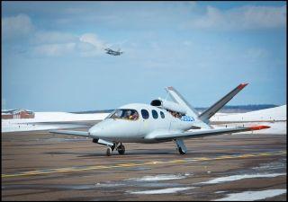 """全球首架西锐""""愿景""""私人喷气飞机交付用户"""