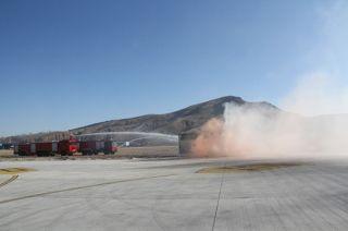 赤峰机场开展2016年综合应急救援演练