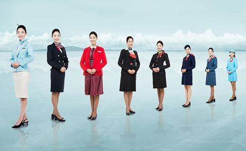 亚空姐照片_空姐制服进行了11次改进 韩亚航空空姐制服基本维持原状