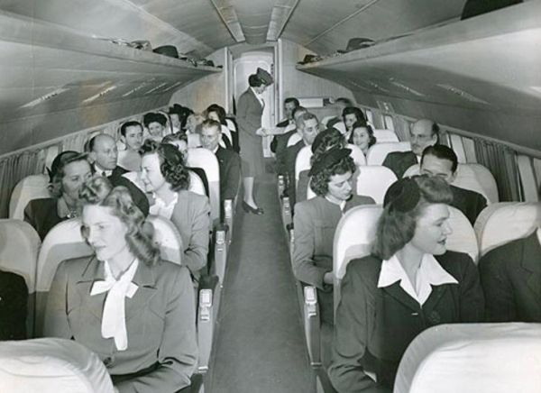1950年代 美国航班飞越禁酒州时乘客喝不到酒