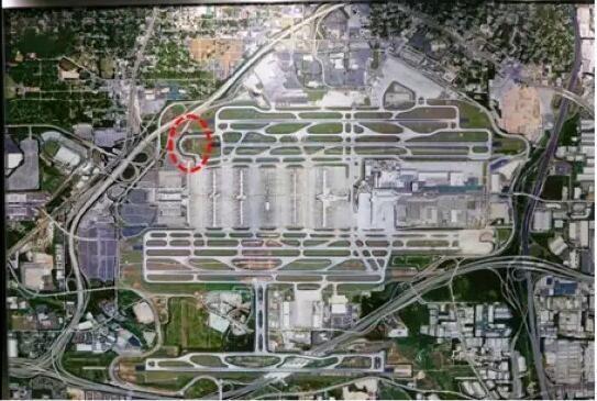 航空枢纽建设及多机场协同,阿联酋美国的经验
