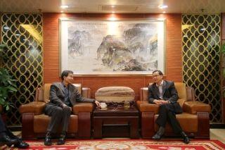 中南局与西藏航空座谈安全发展