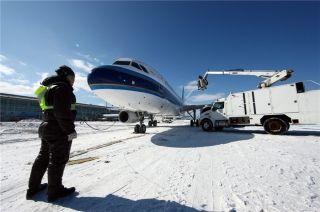 大雪降大连 南航大连机场滞留旅客2400余人
