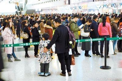 一天15.2万人次!成都机场旅客吞吐量破纪录