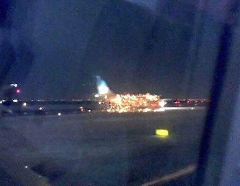 阿根廷客机起飞前发动机疑似起火 中断起飞
