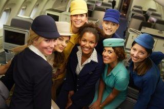 飞往纽约的汉莎航班变身时尚T台