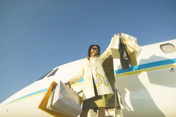 海航系拟掷百亿美元买下美国飞机租赁公司
