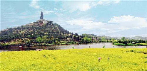 重庆潼南:游客可乘直升机俯瞰中国最美油菜花海