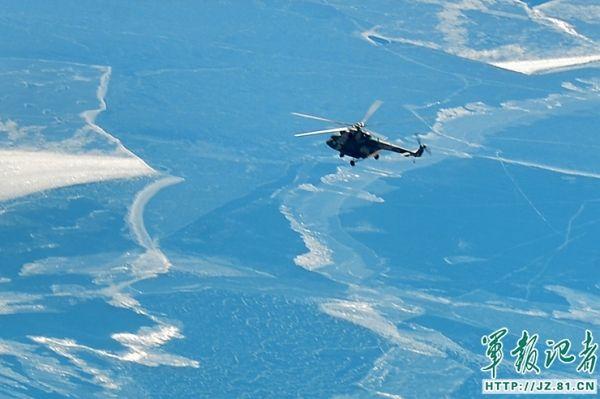 揪心!海拔4718米 直升机搜寻5名失联藏族同胞