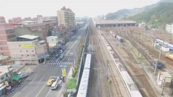 云南高铁新规:安全保护区内不得放飞飞行器