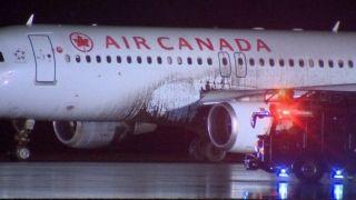 加航客机降落时冲出跑道 没有人员受伤