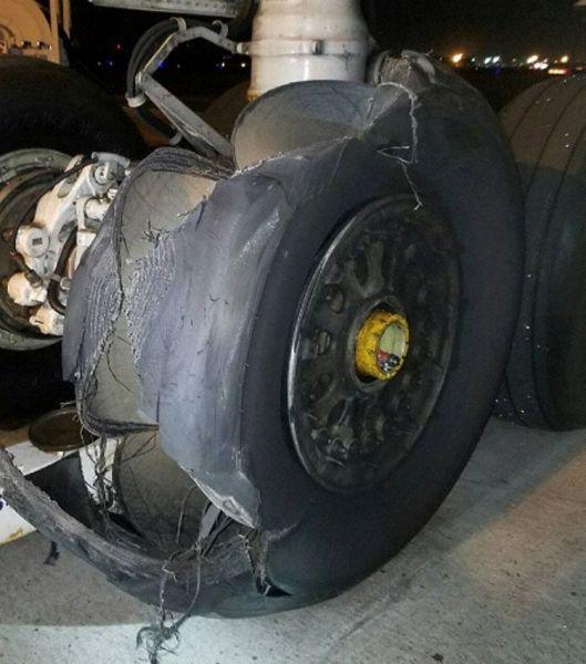联邦快递货机轮胎爆裂 高度状态下中断起飞