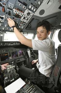 日航原预备飞行员重回飞行岗位 度过破产危机