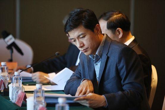 李彦宏:完善空域资源管理制度 提高民航准点率