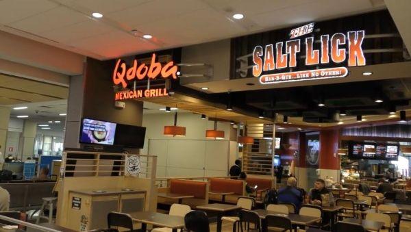 机场内的餐饮业