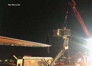 客机碰撞致除冰车翻车 除冰工人摔落地面