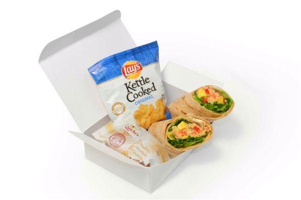 美航特定跨东西海岸航班将推出免费主舱餐食