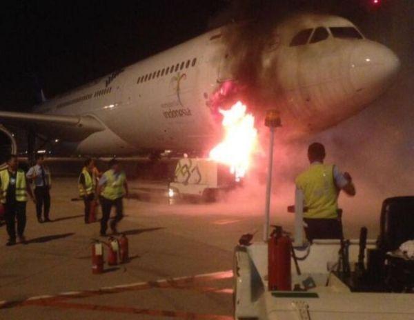 【视频】印尼客机连接GPU时起火