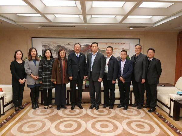 澳门机场邓军主席一行拜访深圳机场
