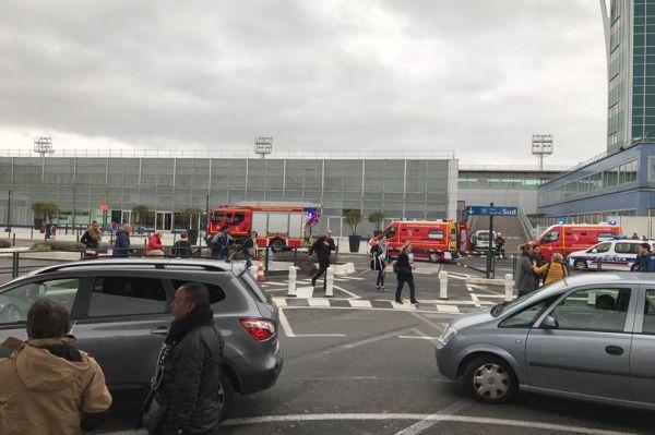 突发:巴黎奥利机场发生枪击事件 警方展开疏散