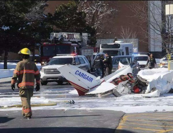 加拿大两架小型飞机相撞