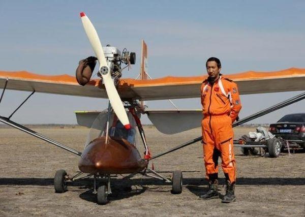 BBC惊叹中国农民在家造飞机:用30年追求航空梦