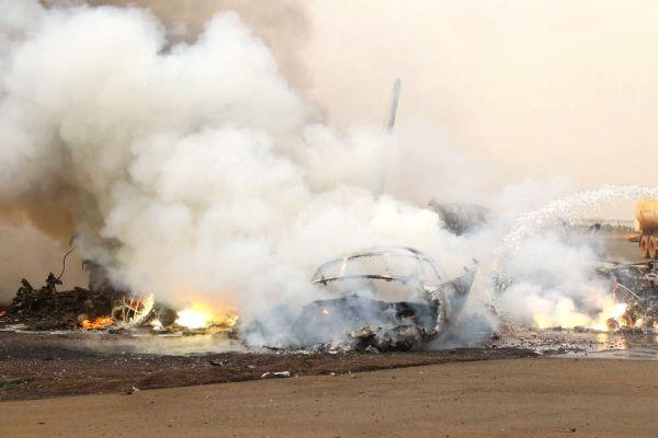 安26着陆后与消防车撞击 机上45人奇迹生还