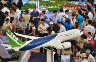 外媒:中国C919大型客机将首飞 或能卖出2千架