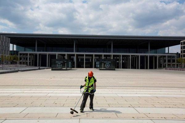 柏林新机场让德国好尴尬!推迟五年仍无法启用