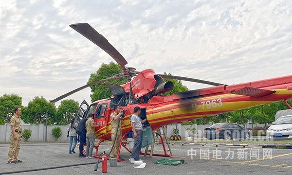 """国网电力巡线直升机在昆山接受全面""""体检"""""""