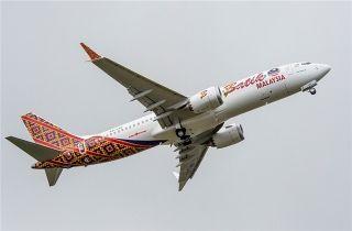波音公司交付首架737MAX飞机