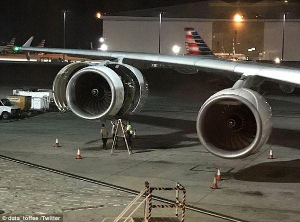 涉事客机检修中