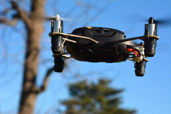 美国立法监管无人机:允许在某些情况下摧毁