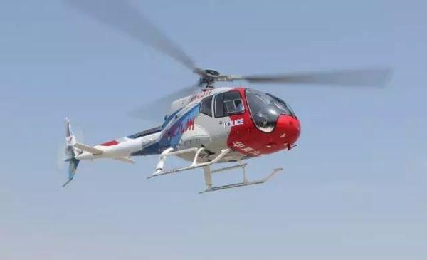AC311警用直升机为瓷都端午龙舟赛护航