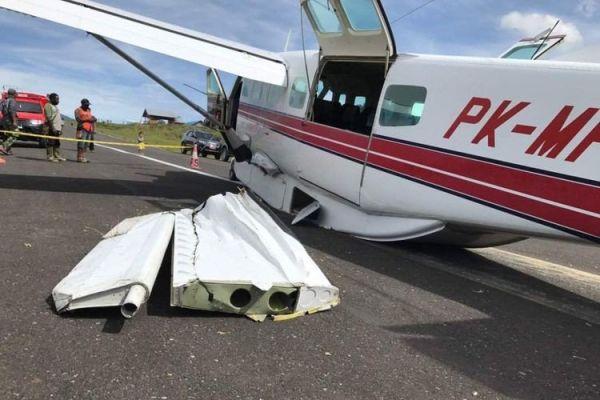 印尼巴布亚省飞机再出事故 着陆时冲出跑道